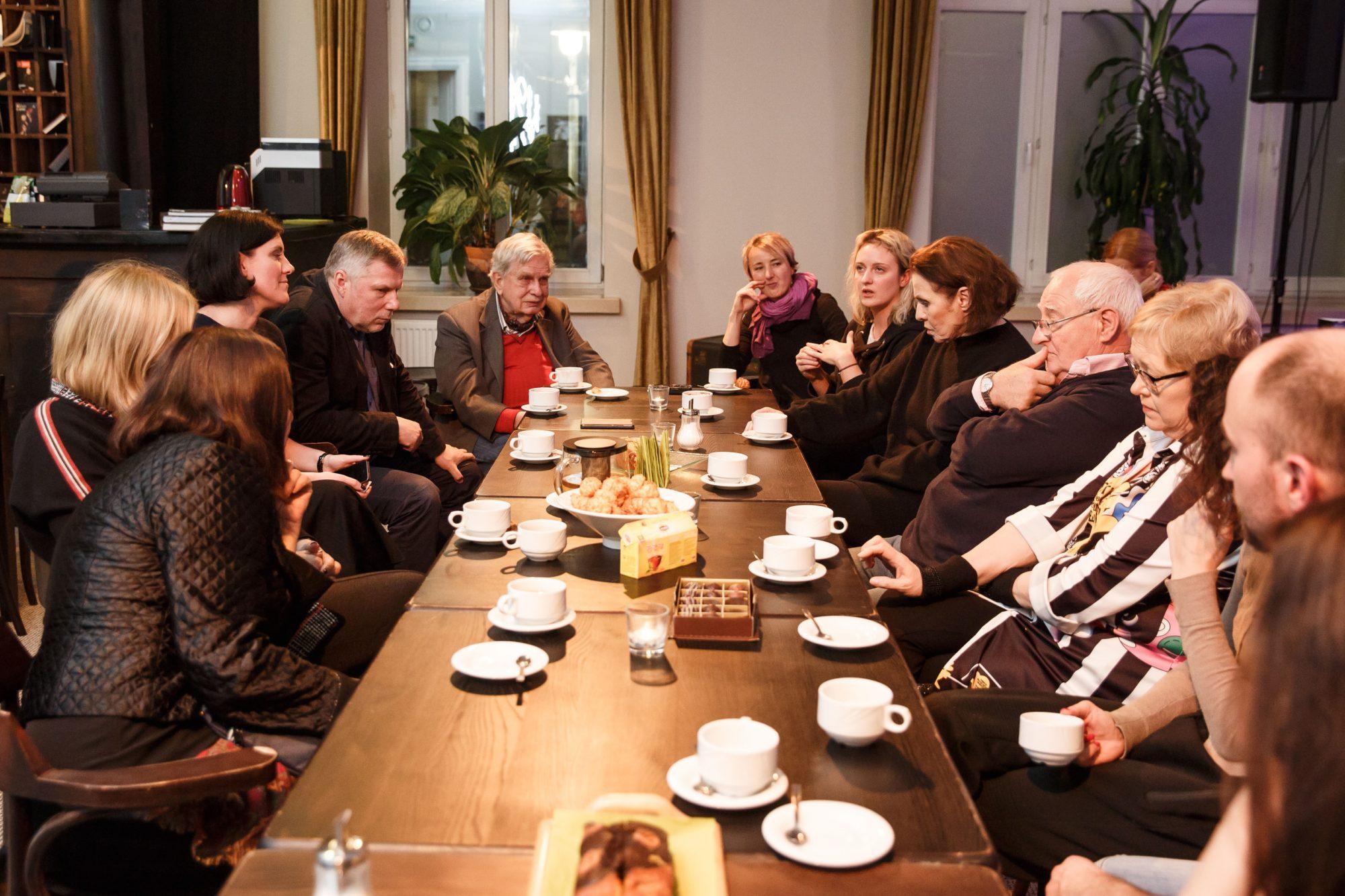 Susitikimas su kūrybine grupe ©VMT archyvas, L.Masys